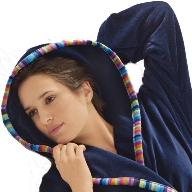 leichter kapzuenbademantel f r damen von caw duschvorhangstangen duschvorh nge und. Black Bedroom Furniture Sets. Home Design Ideas